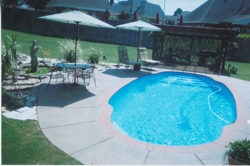 Gallery image of work by Catalina Pools Memphis