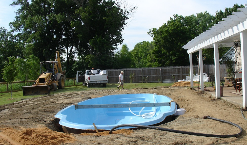 Installation process of an in-ground pool