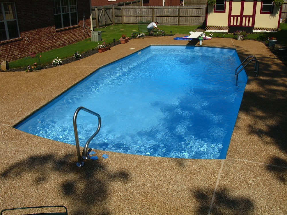 Fiberglass Pool by Catalina Pools Memphis, TN